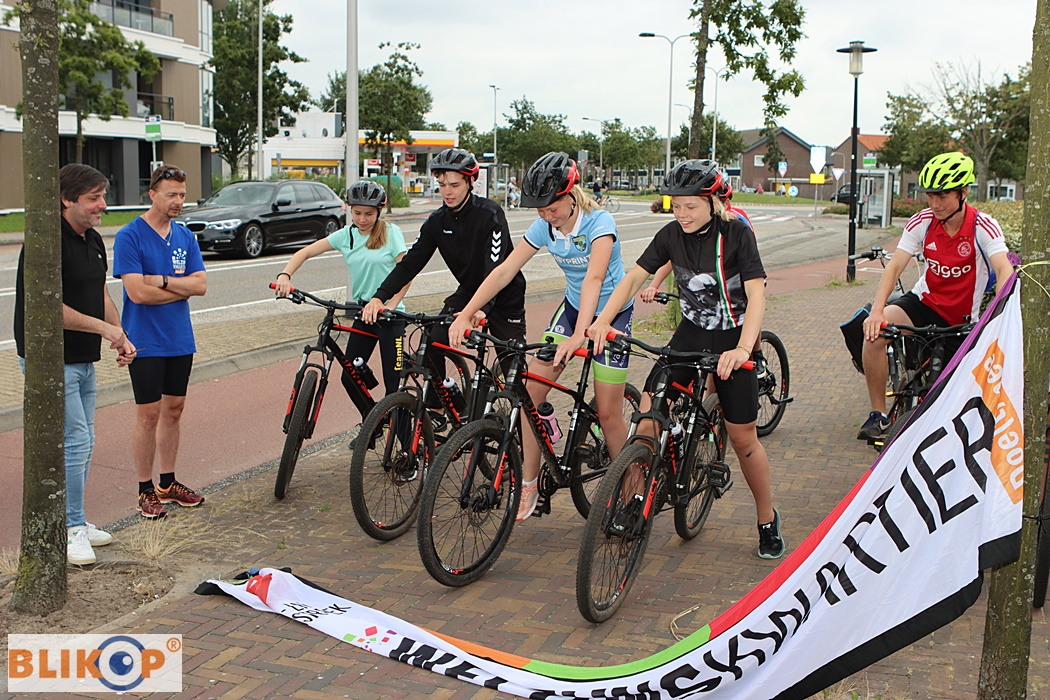 Click to enlarge image zomeractiviteitnwk127.JPG